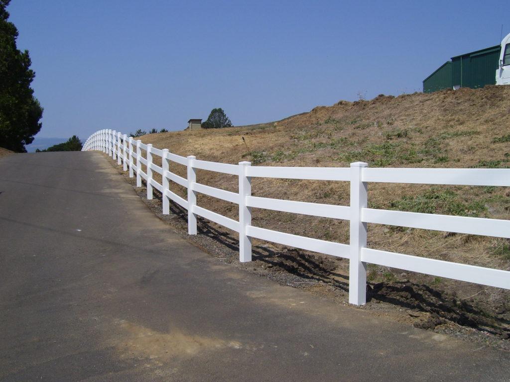 Residential Vinyl Fencing West Salem Oregon Outdoor Fence