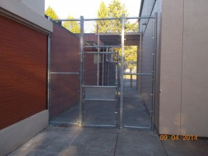 325-COM-chain link enclosure @ Richmond School, Salem, Oregon
