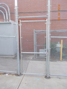 323-COM-chain link enclosure @ Richmond School, Salem, Oregon