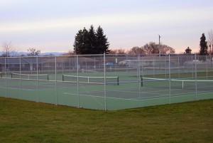 315-chain link tennis court