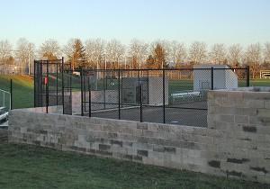 310- tennis court black chain link fence