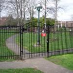 305-COM chain link & Ornamental Iron with walk gate