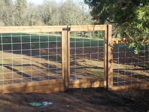 258 Custom Wood/wire garden fence, Salem, Oregon