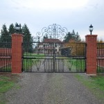 243 custom entry gate w/gate operator, Silverton, Oregon
