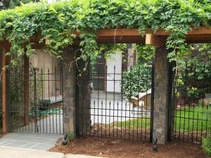 204 Custom ornamental iron fence w/gate