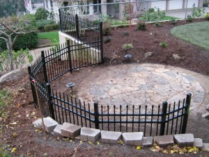199 ornamental iron fence/curved