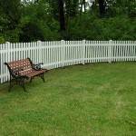 191: white vinyl pickett fence