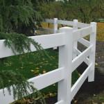 189: 3-rail vinyl fence