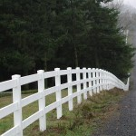 188: 3-rail white vinyl fence