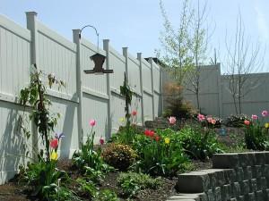 183: white vinyl fence