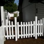177 Scalloped vinyl walk gate w/scalloped & solid fence, Stayton, Oregon
