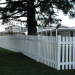 181: Pickett white vinyl fence