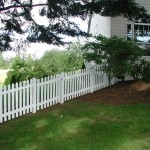 179: Pickett vinyl fence with gate