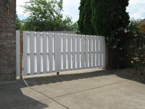 173 custom vinyl gate, Salem, Oregon