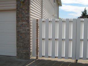 172 custom vinyl gate, Salem, Oregon