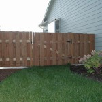 166 Good neighbor fence w/gate