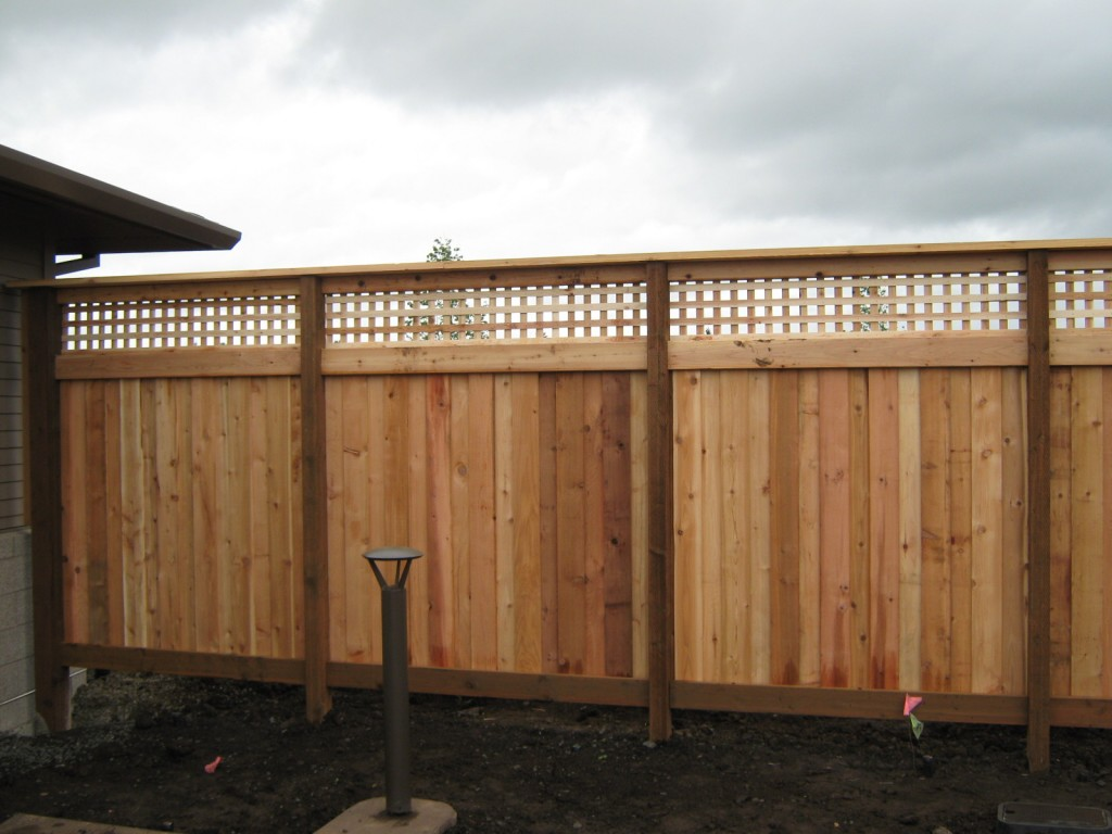 ... 152 Lattice Solid One Side Fence With Cap, Lebanon, Oregon ...