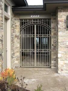102 Custom ornamental iron entry gate