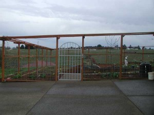 100 Deer fence and ornamental gate