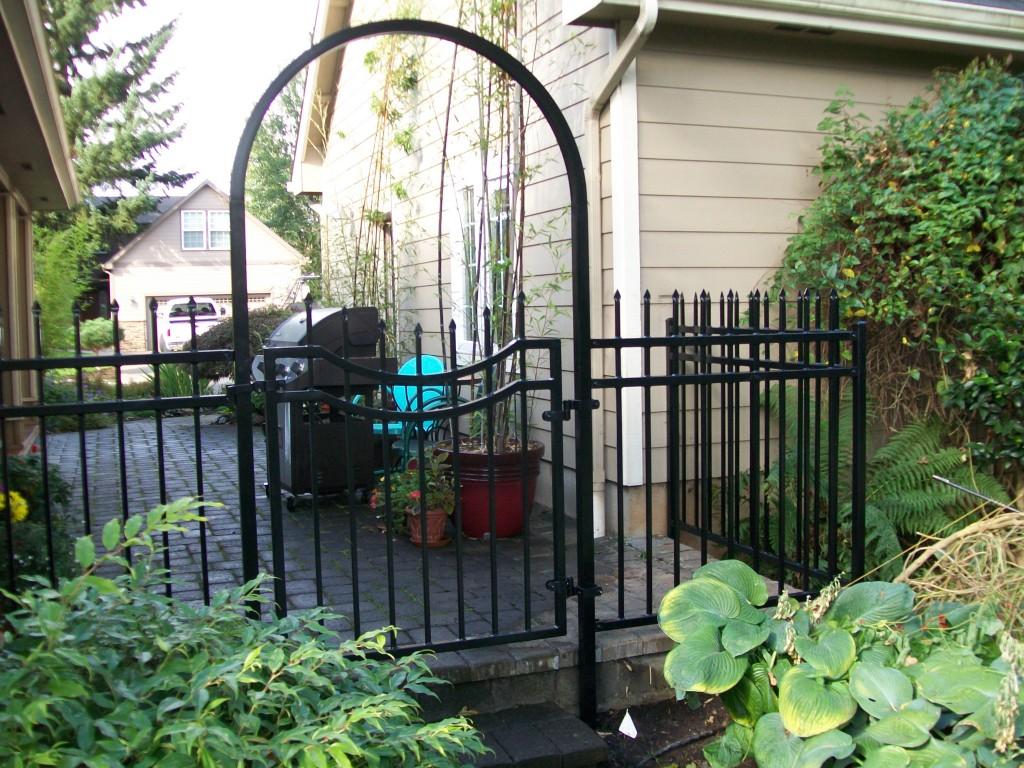 Ornamental Iron Gates Salem, Corvallis, McMinnville   Outdoor Fence