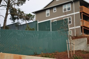 371- pre-slatted chain link-residential