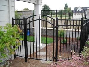 337- ornamental iron fence & gate, Dallas, Oregon