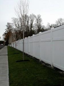 343- vinyl-residential-cascade-fencing